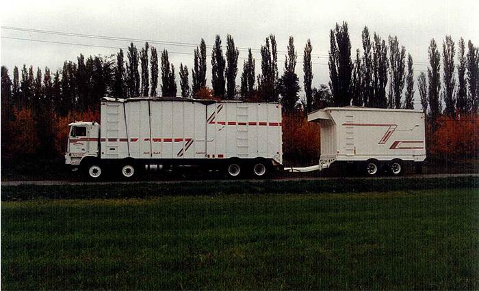 Bulk transportation truck
