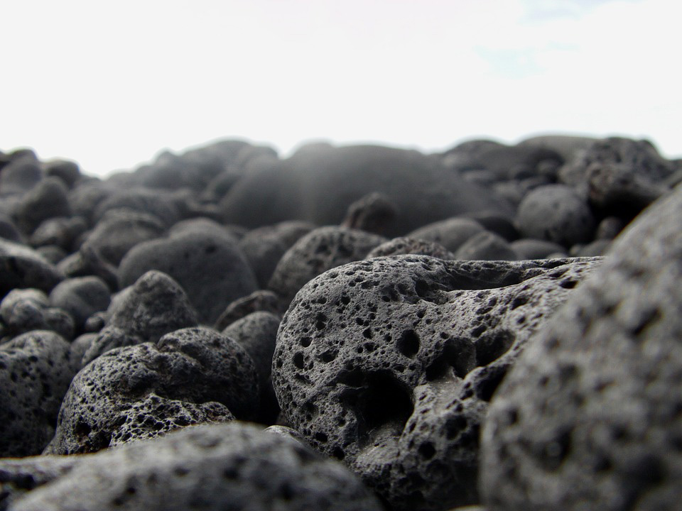 Lava-rock-for-green-roof-media
